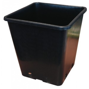 Square Pot 25cm (11L) - Easy draining black plastic square pot.